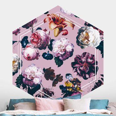 Hexagon Mustertapete selbstklebend - Barockblüten mit weißer Geometrie auf Rosa