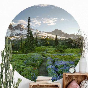 Runde Tapete selbstklebend - Bergblick Wiesenpfad