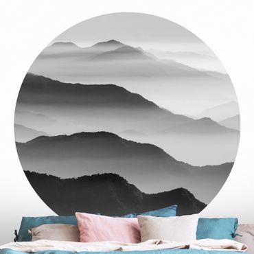 Runde Tapete selbstklebend - Berge im Hochnebel