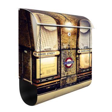 Briefkasten mit Zeitungsfach - London Baker Street - Wandbriefkasten