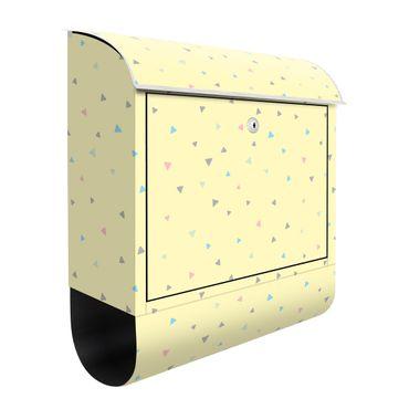 Briefkasten - Bunte gezeichnete Pastelldreiecke auf Gelb