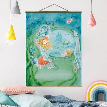 Stoffbild mit Posterleisten - Matilda wird Akrobatin - Hochformat 4:3