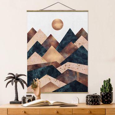 Stoffbild mit Posterleisten - Elisabeth Fredriksson - Geometrische Berge Bronze - Hochformat 4:3