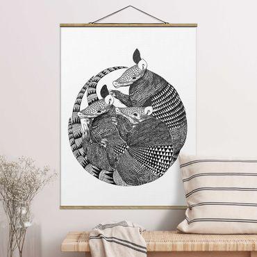 Stoffbild mit Posterleisten - Laura Graves - Illustration Gürteltiere Schwarz Weiß Muster - Hochformat 4:3