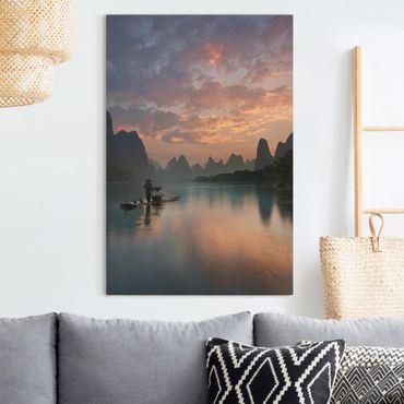 Leinwandbild - Sonnenaufgang über chinesischem Fluss - Hochformat 3:2
