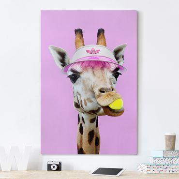 Leinwandbild - Jonas Loose - Giraffe beim Tennis - Hochformat 3:2