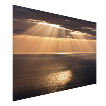 Forex Fine Art Print - Sonnenstrahlen über dem Meer - Querformat 2:3