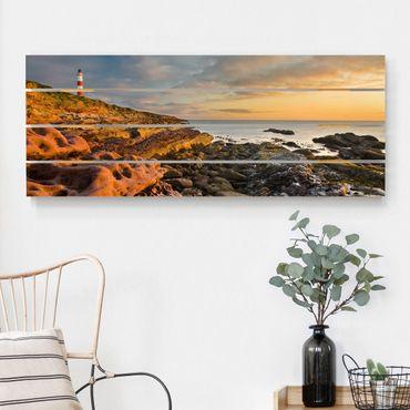 Holzbild - Tarbat Ness Meer & Leuchtturm bei Sonnenuntergang - Querformat 2:5