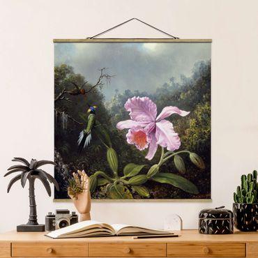 Stoffbild mit Posterleisten - Martin Johnson Heade - Stillleben mit Orchidee und zwei Kolibris - Quadrat 1:1