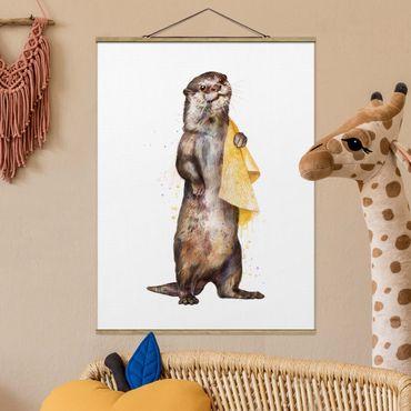 Stoffbild mit Posterleisten - Laura Graves - Illustration Otter mit Handtuch Malerei Weiß - Hochformat 4:3