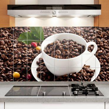 Fliesenbild - Kaffeetasse mit gerösteten Kaffeebohnen