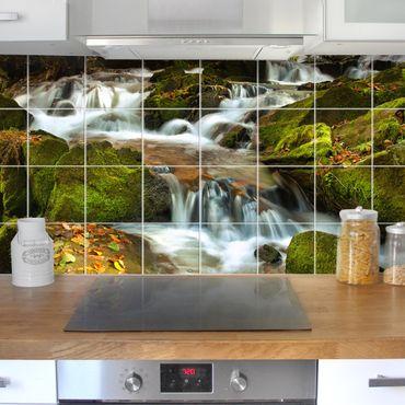Fliesenbild - Wasserfall herbstlicher Wald