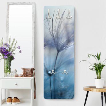 Garderobe - Blaue Federn im Regen