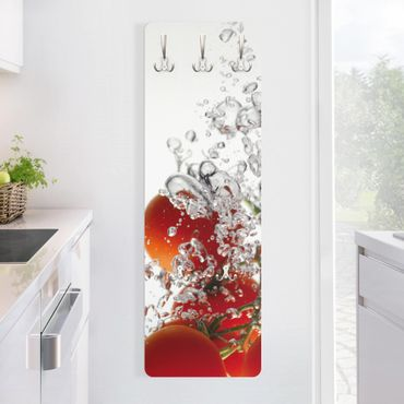 Garderobe - Diving Tomatoes