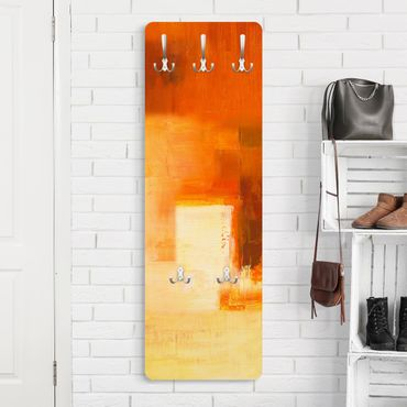 Garderobe - Komposition in Orange und Braun 03