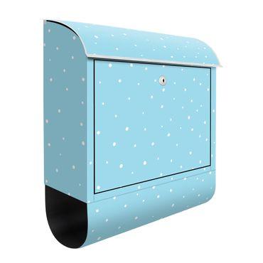 Briefkasten - Gezeichnete kleine Punkte auf Pastellblau