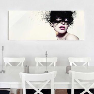 Glasbild - Das Mädchen mit der schwarzen Maske - Panorama Quer