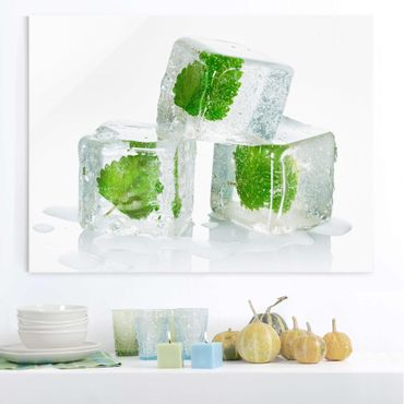 Glasbild - Drei Eiswürfel mit Melisse - Quer 4:3