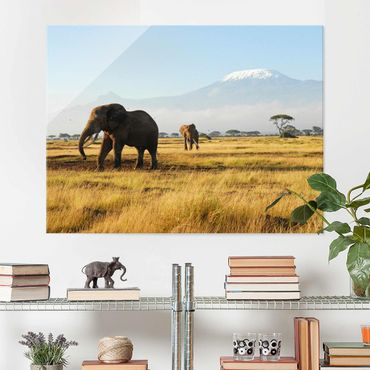Glasbild Afrika - Elefanten vor dem Kilimanjaro in Kenya - Quer 4:3