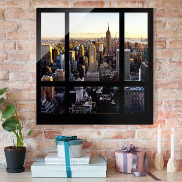 Glasbild - Fensterblick am Abend über New York - Quadrat 1:1