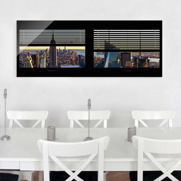 Glasbild - Fensterblick Jalousie - Manhattan Abendstimmung - Panorama Quer