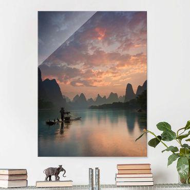 Glasbild - Sonnenaufgang über chinesischem Fluss - Hochformat 4:3