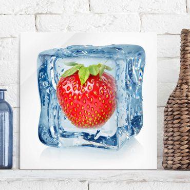 Glasbild - Erdbeere im Eiswürfel - Quadrat 1:1