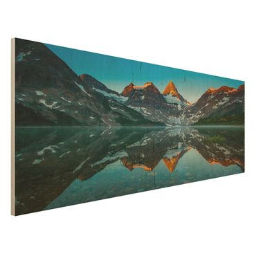 Holzbild - Berglandschaft am Lake Magog in Kanada - Panorama Quer