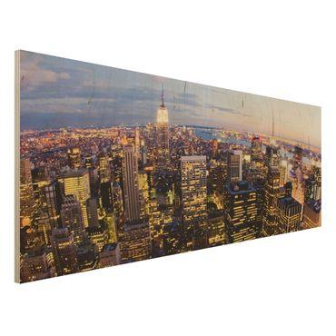 Holzbild - New York Skyline bei Nacht - Panorama Quer