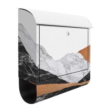 Briefkasten - Landschaft in Marmor und Kupfer