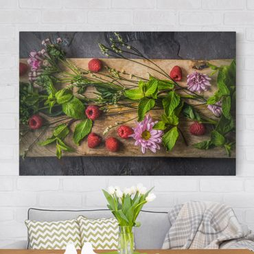 Leinwandbild - Blumen Himbeeren Minze - Quer 3:2