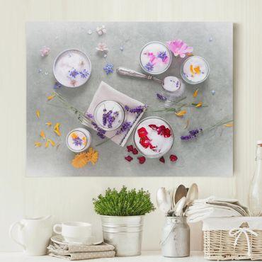 Leinwandbild - Essbare Blüten mit Lavendelzucker - Quadrat 1:1