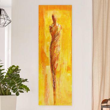Leinwandbild - Figur in Gelb - Panorama Hochformat 1:3