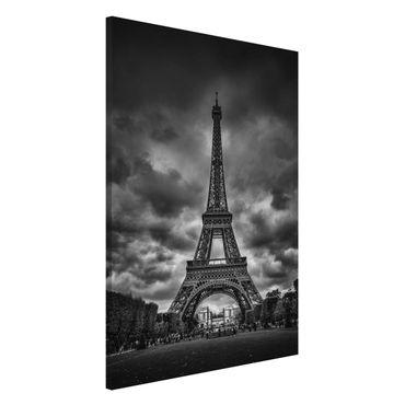 Magnettafel - Eiffelturm vor Wolken schwarz-weiß - Memoboard Hochformat 3:2