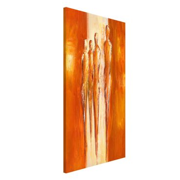 Magnettafel - Petra Schüßler - Vier Figuren in Orange 02 - Memoboard Hochformat