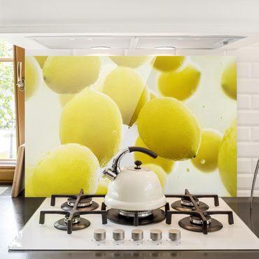 Spritzschutz Glas - Zitronen im Wasser - Quer 3:2