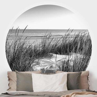 Runde Tapete selbstklebend - Stranddüne am Meer schwarz-weiß