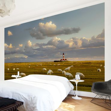 Fototapete Nordsee Leuchtturm mit Schafsherde