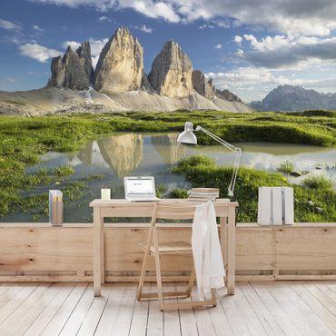 Fototapete Südtiroler Zinnen und Wasserspiegelung