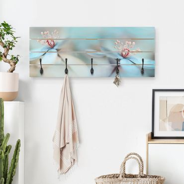 Wandgarderobe Holz - Blüten in Hellblau