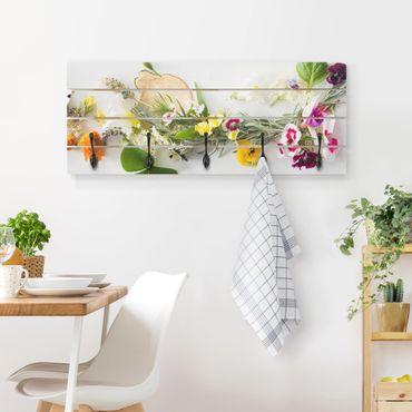 Wandgarderobe Holz - Frische Kräuter mit Essblüten