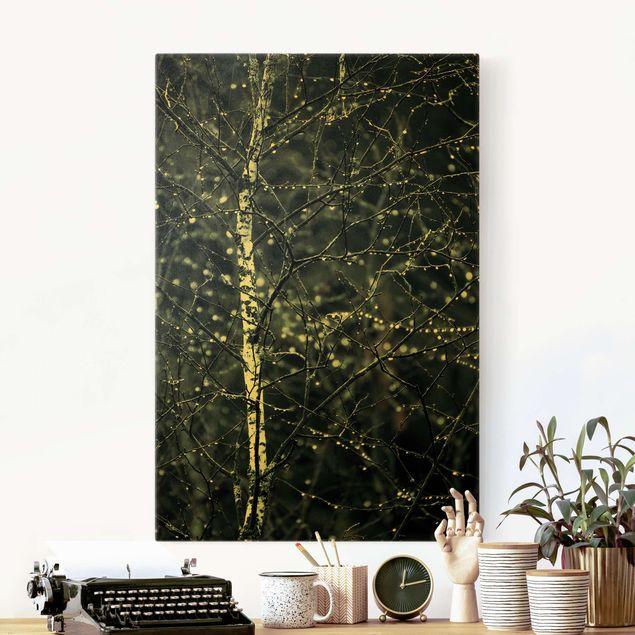 Leinwandbild Gold - Dunkle Birke im kalten Regen - Hochformat 2:3