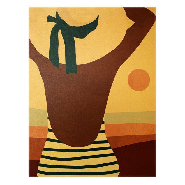 Leinwandbild Gold - Frau im Sonnenschein II - Hochformat 3:4