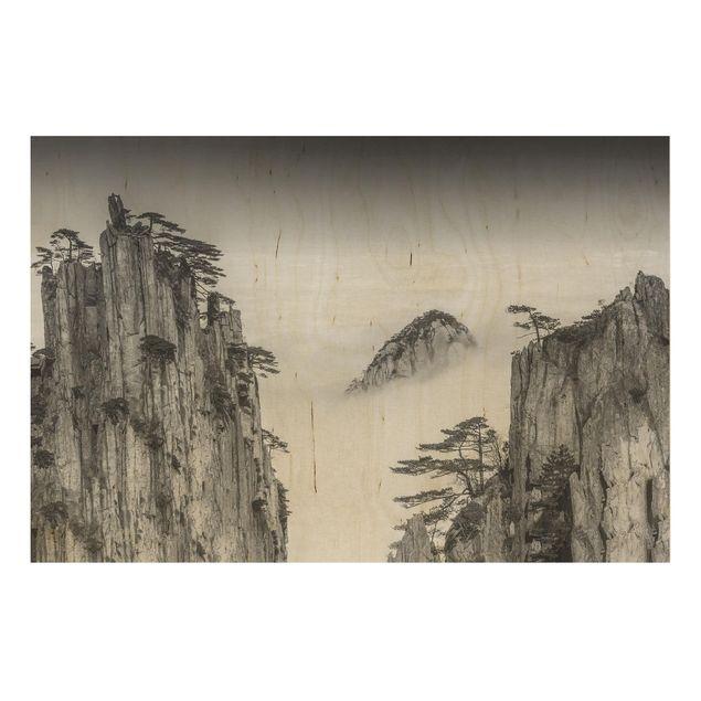 Holzbild - Felsen im Nebel schwarz-weiß - Querformat 2:3
