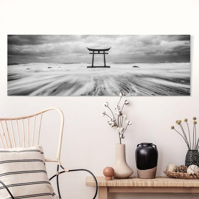 Leinwandbild - Japanisches Torii im Meer - Panorama 3:1