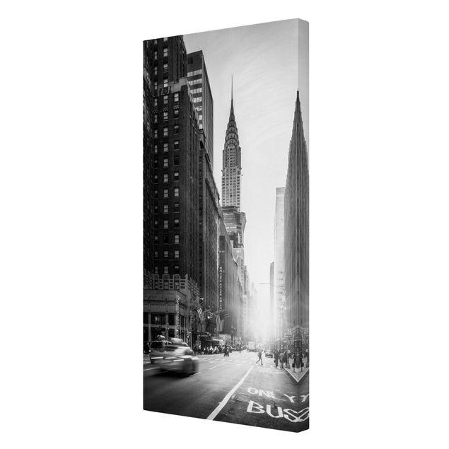 Leinwandbild - Lebhaftes New York - Hochformat 1:2