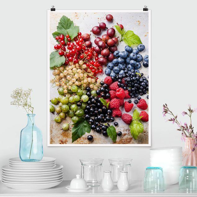 Poster - Mischung aus Beeren auf Metall - Hochformat 3:4
