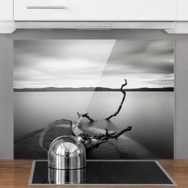 Glas Spritzschutz - Sonnenuntergang am See schwarz-weiß - Querformat - 4:3