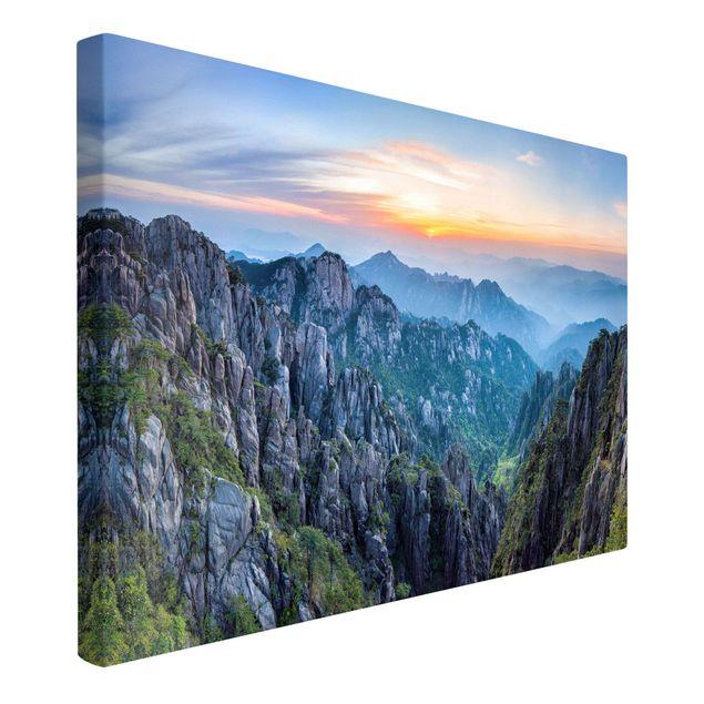 Leinwandbild - Sonnenaufgang über dem Huangshan Gebirge - Querformat 3:2