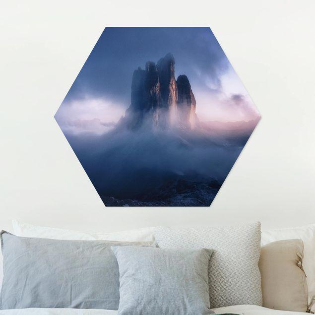 Hexagon Bild Alu-Dibond - Drei Zinnen in blauem Licht